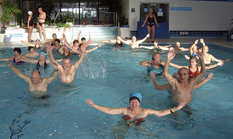 Bewegungstherapie im Wasser