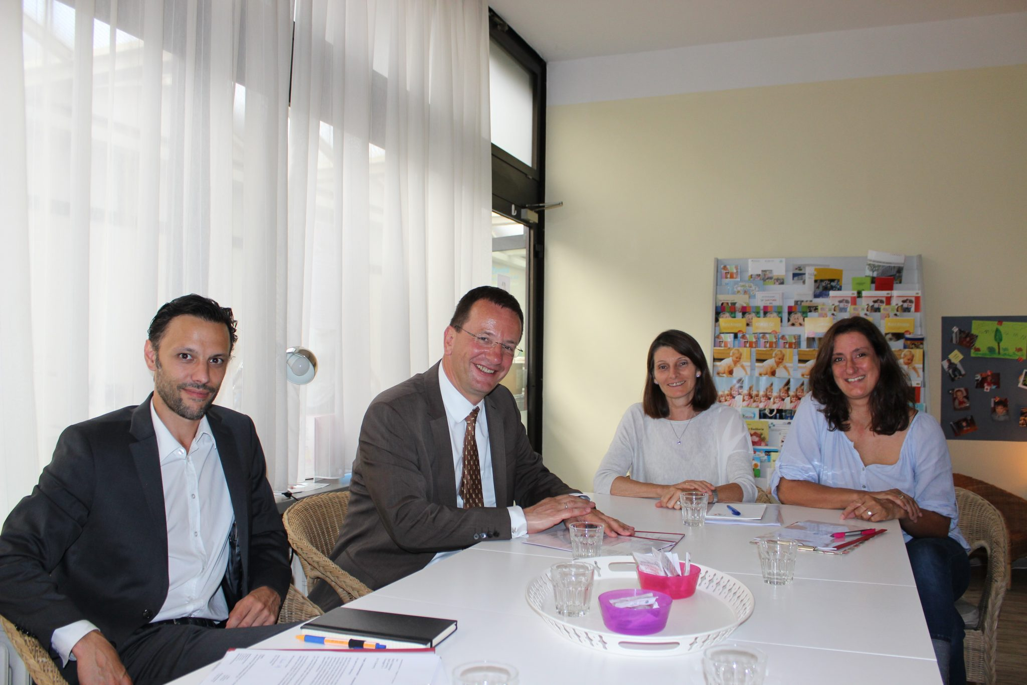OB Andreas Haas besucht Familenpaten und Opstapje